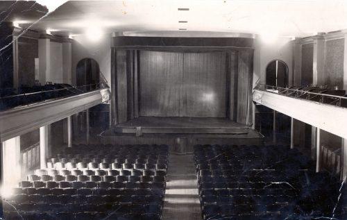 Scena kinoteatru Corso
