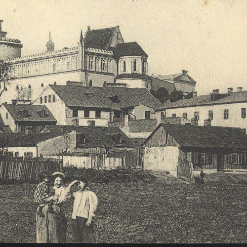 Okolice Zamku. Pocztówka ze zbiorów Zbigniewa Lemiecha