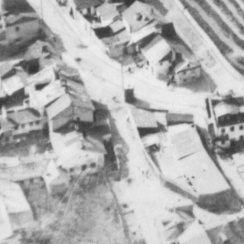 Fragment zdjęcia lotniczego z widoczną studnią przy ul. Krawieckiej