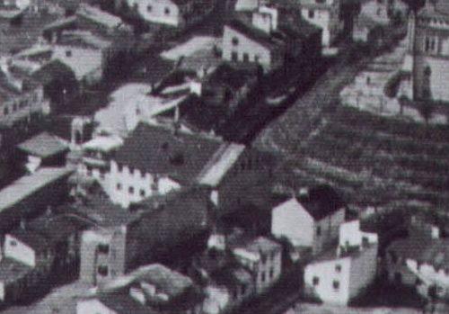 Fragment zdjęcia lotniczego z widoczną nieruchomością pod adresem Krawiecka 41
