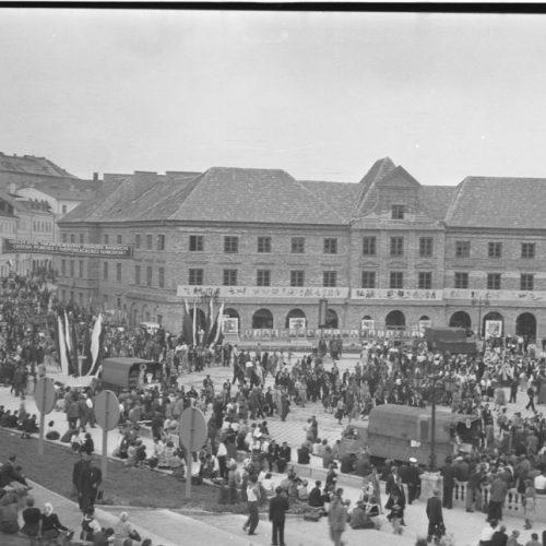 Otwarcie placu Zebrań Ludowych i Centralnej Wystawy Rolniczej w dniu 22 lipca 1954 roku. Fot. Edward Hartwig