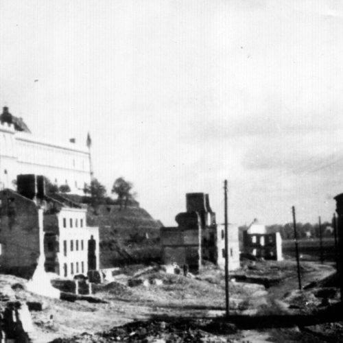 Ruiny ulic Krawieckiej i Podzamcza. Fotograf nieznany
