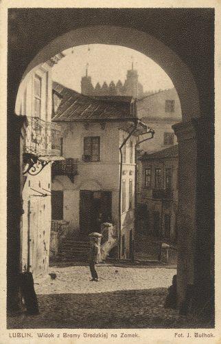 Lublin. Widok z Bramy Grodzkiej na Zamek, fot. Jan Bułhak