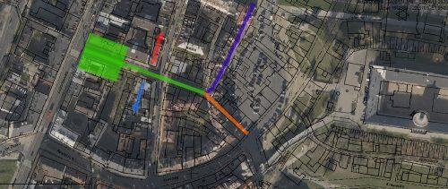 Kolor pomarańczowy – Aptejkgesl; granatowy – dos Gesl albo Chejdergesl, czyli Nadstawna; zielony – Cyrulicza, w tym na niebiesko strona Finkielsztajna i na czerwono strona Borensztajna lub Icze-Mejera; zielony kwadrat – di Berze, na bazie mapy przygotowanej przez geoportal2.lublin.eu